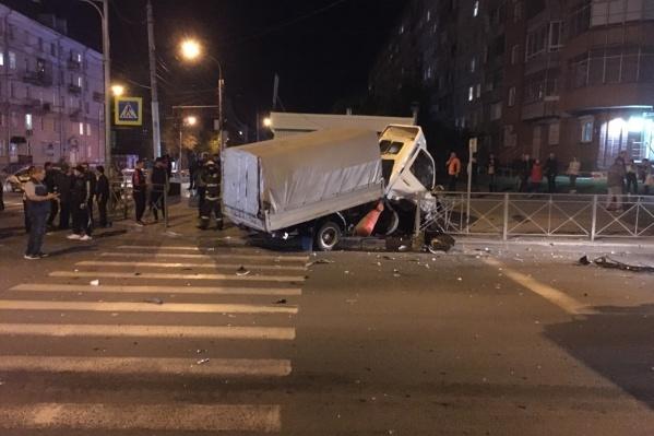 В аварии пострадали люди