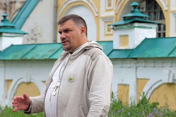 Александр Парфёнов живет в Ростове Великом