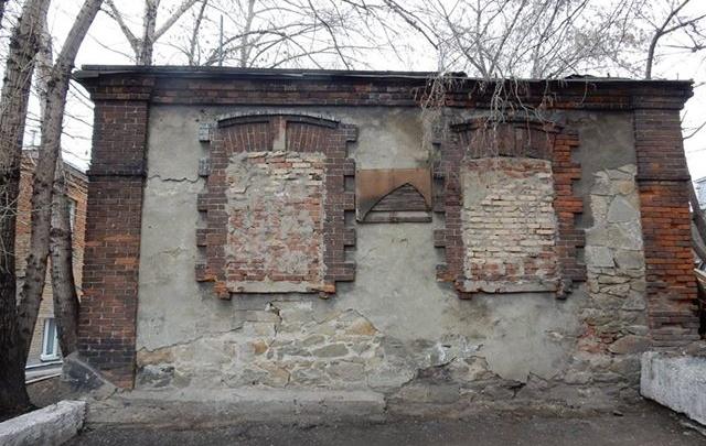 Здание психбольницы предложили сделать памятником из-за вековых царапин