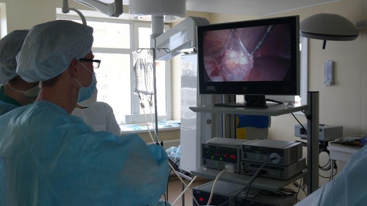 В ОДКБ первыми в Свердловской области удалили опухоль печени через небольшой разрез на животе