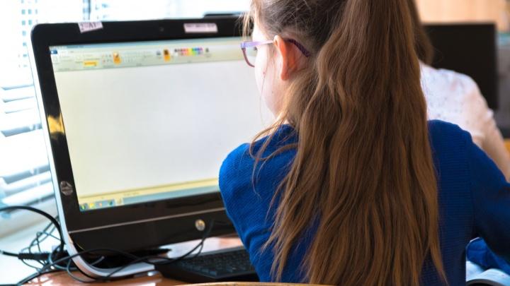 Близорукость, сколиоз, интернет-зависимость: врач рассказала, чем болеют школьники в Самаре