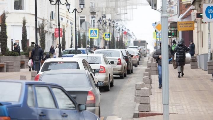 Нагибина, Доватора и еще несколько улиц Ростова застряли в шестибалльных пробках