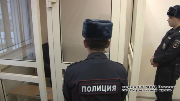 Грабителей, напавших с молотком на мужчину в центре Перми, приговорили к десяти годам тюрьмы