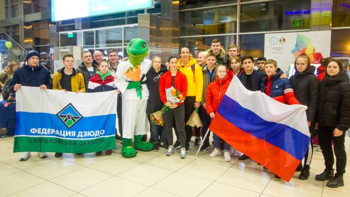 Первые на месте: в Екатеринбург на турнир «Большой шлем» прилетела женская сборная по дзюдо