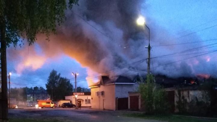 В Прикамье ночью сгорел магазин «Пятерочка»