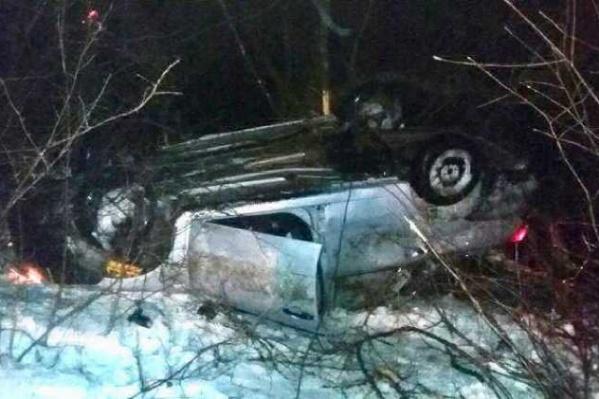 Пассажиры автомобиля отделались ушибами