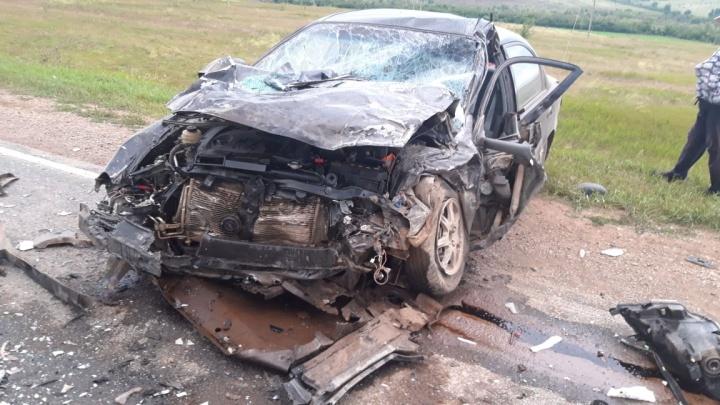 Автомобиль превратился в груду железа: в Башкирии столкнулись Nissan Note и KIA Spectra