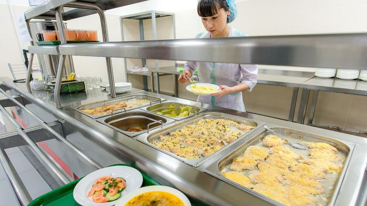 «Исчезли допросы»: прокуратура заявила о фальсификациях в деле поставщиков еды в школы Челябинска