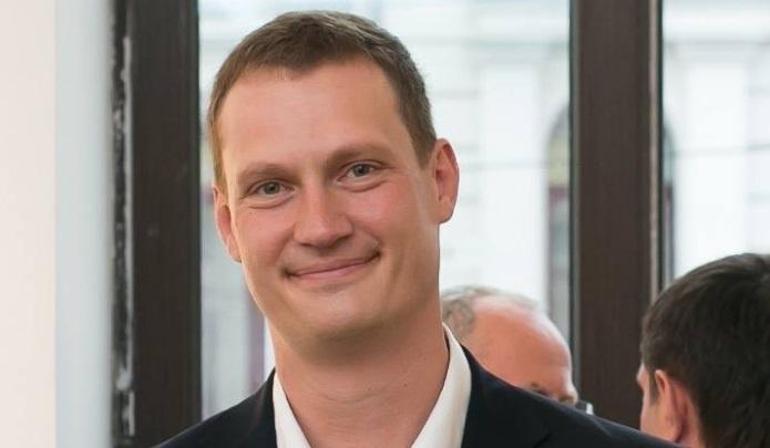«Мы бы спасли много жизней за это время»: суд оставил хирурга Максима Кудыкина под домашним арестом