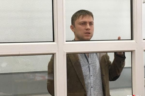 Евгений Мезин сейчас находится под арестом