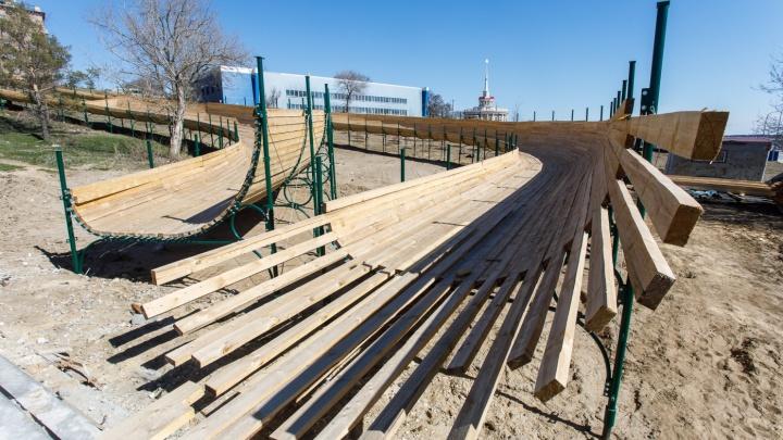 «Переделывали проект»: провал с открытием зимнего городка в Волгограде списали на неучтенные сети
