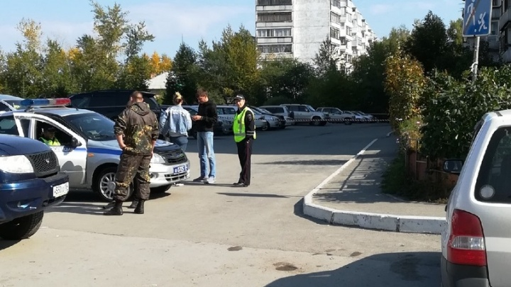 Около дома на Шлюзе нашли гранату — полиция выставила оцепление