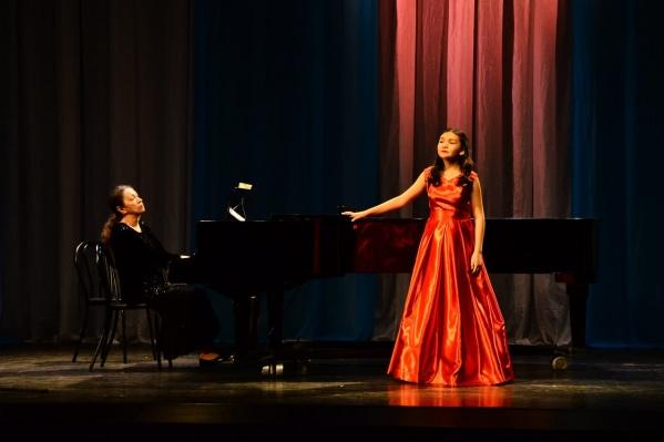 Когда вырастет, Жанель хочет стать оперной певицей