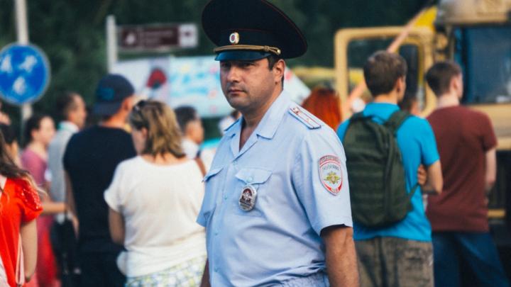 Омской полиции разрешили составлять протоколы на попрошаек и шумных соседей