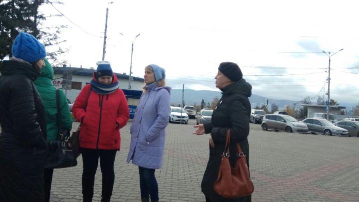 Неприметный митинг в поддержку Акбулатова устроили на площади его коллеги