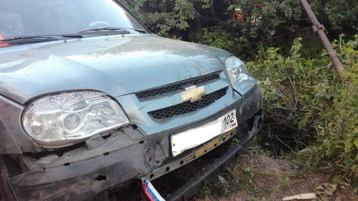 От медосвидетельствования отказался: водитель «Нивы» под Уфой протаранил забор и перевернулся