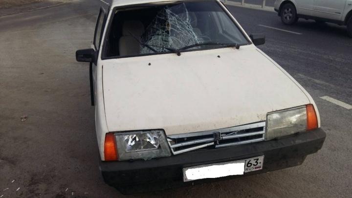 На Красноглинском шоссеводитель «девятки» без прав насмерть сбил женщину на обочине