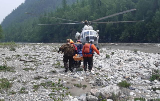 В Бурятии со сплава эвакуировали туристов из Свердловской области. Одного спасти не удалось