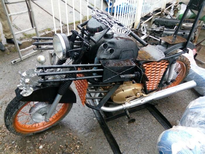 Мотоцикл с муляжами пулемётов поставят на набережной уже в начале мая