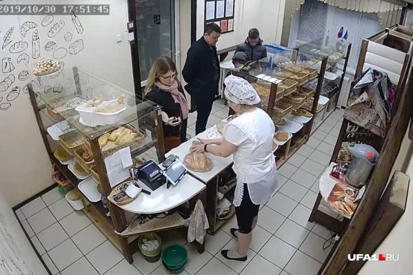 Скрытая камера установлена в магазине-пекарне