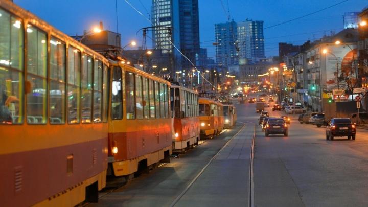 На Макаровский мост вернутся только два трамвайных маршрута