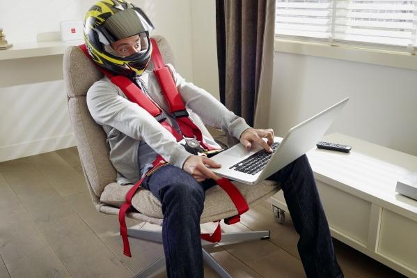 Будьте осторожны на онлайн-виражах — к быстрым скоростям загрузки может возникнуть привыкание