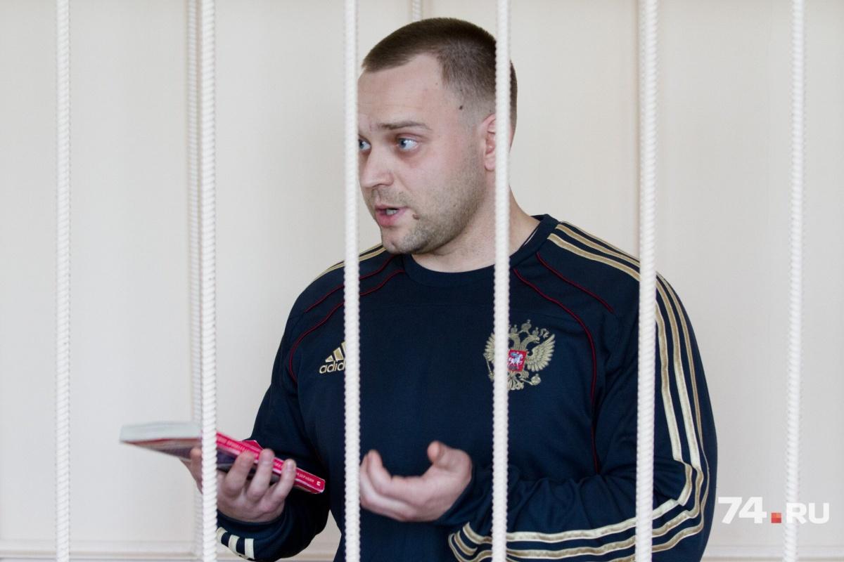 Александр Козлов, возражая против закрытого заседания, цитировал кодекс, но судья его не поддержала
