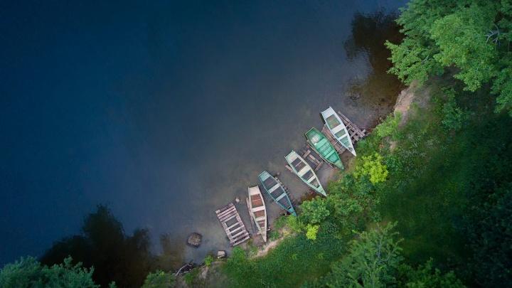 Дрейфующие острова и успокаивающая водная гладь: 8 снимков Таватуя с дрона