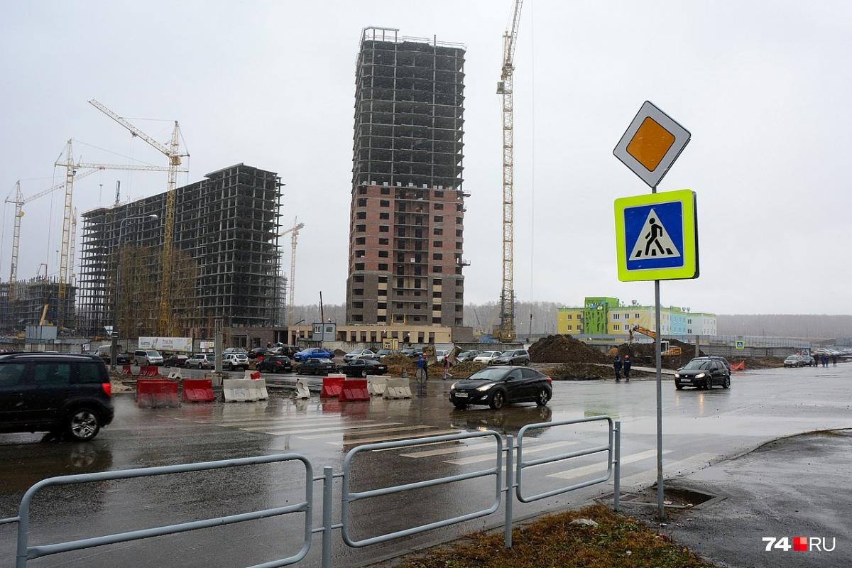 Отныне главной дорогой является улица Татищева. На снимке показан участок в направлении кардиоцентра