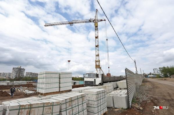 Строительство школы на северо-западе идёт быстрыми темпами