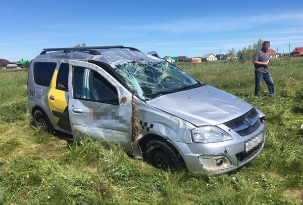 В Уфимском районе Башкирии машина вылетела в кювет