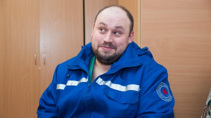 Голос «бархатный, глубокий»: диспетчер скорой из Екатеринбурга мечтает стать диктором, как Левитан