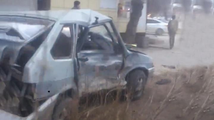 На перекрёстке Текучева и Доломановского в Ростове в ДТП пострадал мужчина