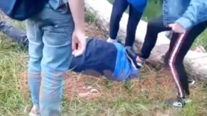 В Рыбинске подростки толпой избили мальчика. Что известно к этому часу