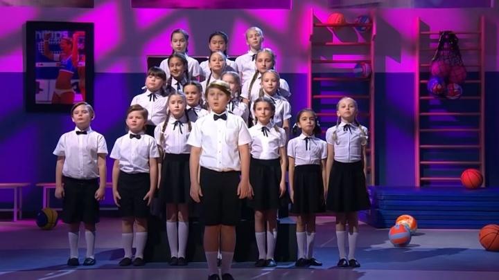 На шоу Сергея Светлакова на СТС дети перепели песню Монеточки. Получилось не хуже оригинала