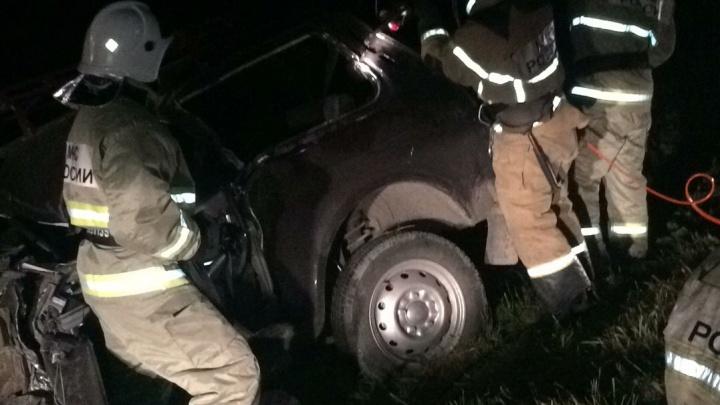 В ДТП У Боровского погиб водитель «Нивы». Отечественный внедорожник столкнулся с фурой