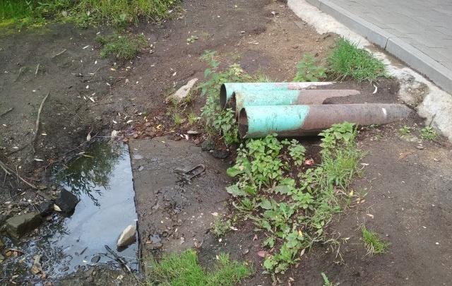 После угроз судом чиновники пообещали сделать ливневки в парке «Нефтяник»