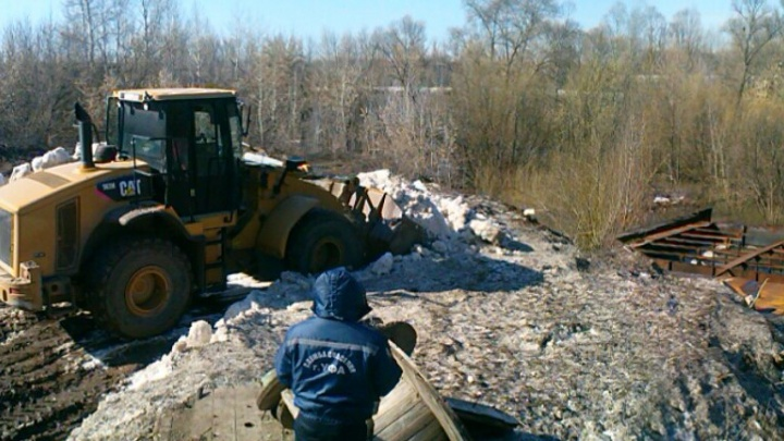 После публикации Ufa1 власти города очистили реку Белую от нефтяных отходов