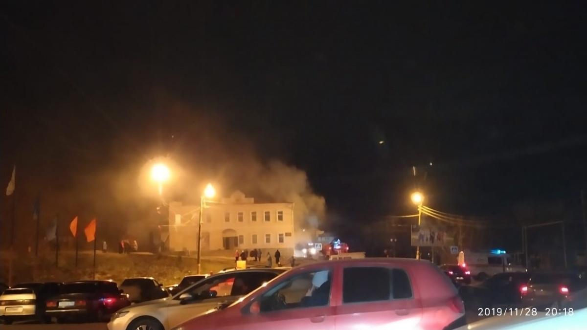 Пожарные долго сражались с пламенем