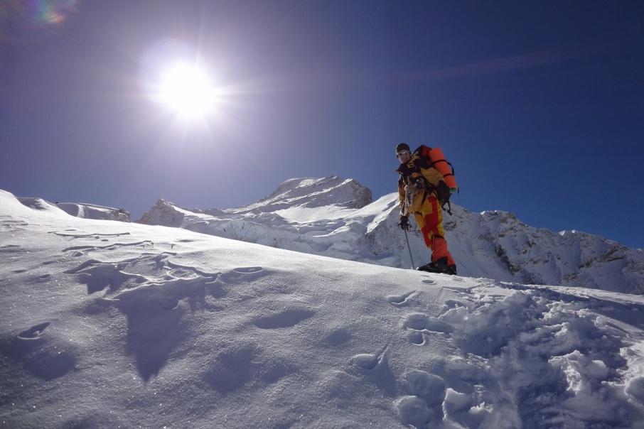Рустем долго планировал восхождение, но достигнуть вершины так и не смог