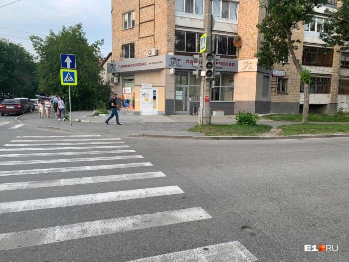 На нескольких улицах погасли светофоры
