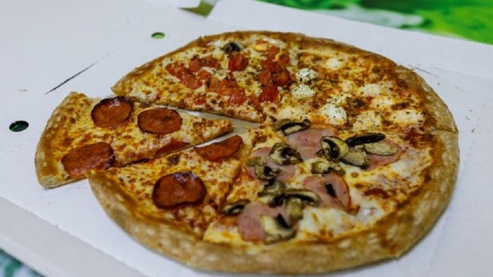 Безработный отобрал пиццу у волгоградского разносчика еды