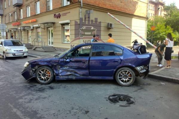 Виновник аварии, по данным ГИБДД, превысил скорость