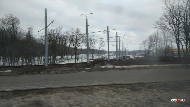 Рабочие откачали воду с трамвайных путей у «Самара Арены»