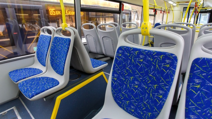 «Подрезала иномарка»: автобус маршрута №35 попал в ДТП в Дзержинском районе Волгограда