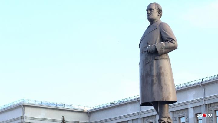 В Самаре снова передвинули сроки реставрации памятника Куйбышеву