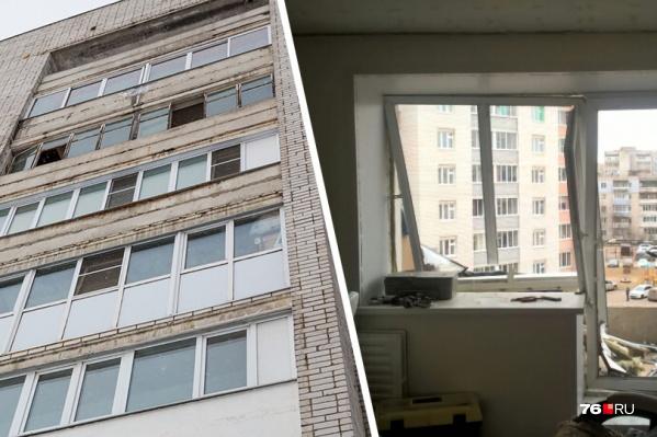 Взрывной волной балкон просто выбило