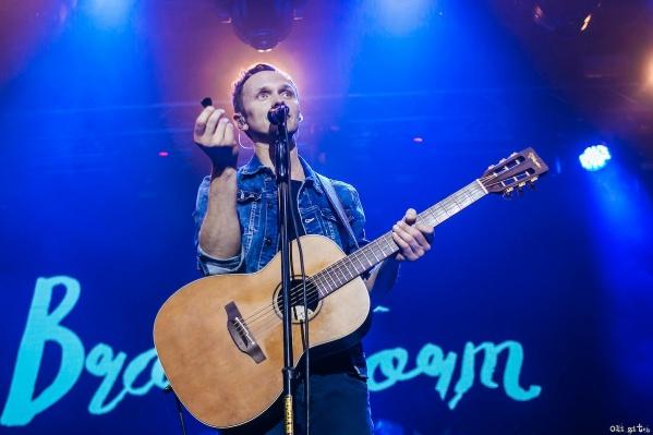 Группа Brainstorm появилась в Латвии в 1989 году, её вокалист — Ренарс Кауперс
