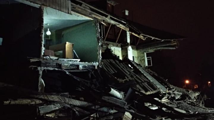 Сложился как карточный домик: в Уфе ночью рухнул барак