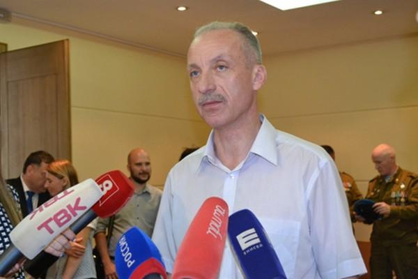 Сейчас Константин Бочаров находится в отпуске